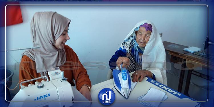 مدنين: مسنة تخيط كمامات وتهديها لأعوان الأمن والصّحة والنظافة (صور+فيديو)