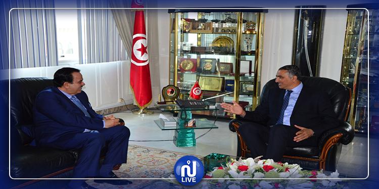 بحث سبل تطوير التعاون العسكري بين تونس وقطر
