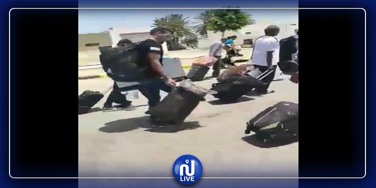 مدنين: عالقون بين تونس وليبيا يوجهون نداء استغاثة (فيديو)