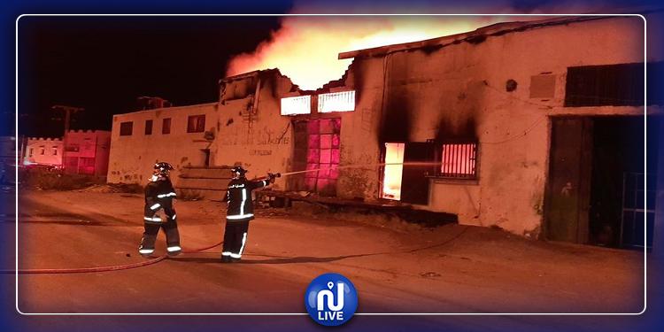 Menzel Jemil - Bizerte : Gros dégât suite à l'incendie d'une usine de friperie