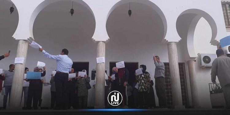 أعوان و كتبة المحاكم بولاية سيدي بوزيد يحتجون