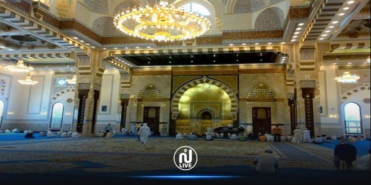 دبي:  السماح بعودة صلاة الجمعة في 766 مسجدا