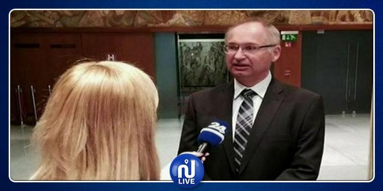 نائب بالبرلمان السلوفيني يسرق ''ساندويتش''
