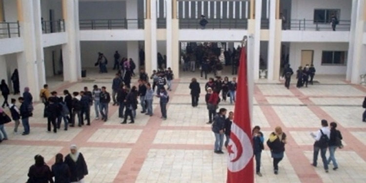 أريانة: إعتقال عدد من منفذي عملية السطو على مدرسة وحجز أكثر من 35 حاسوبا