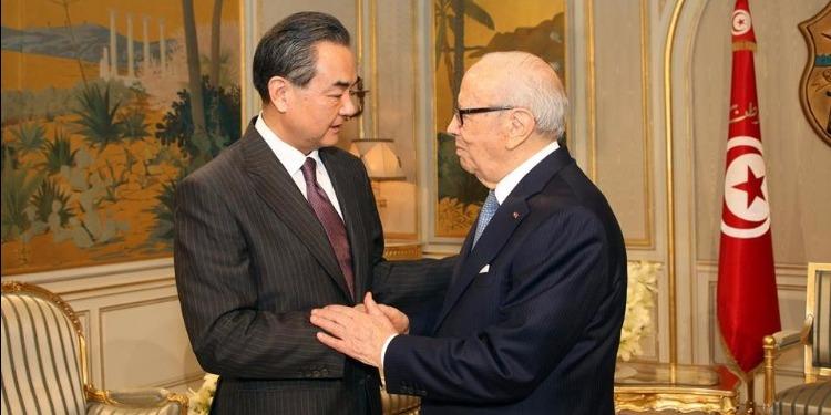 التنمية و الإستثمار أهم محاور لقاء رئيس الجمهورية ووزير الخارجية الصيني