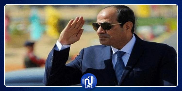 السيسي يلتحق للمشاركة في قمة تونس
