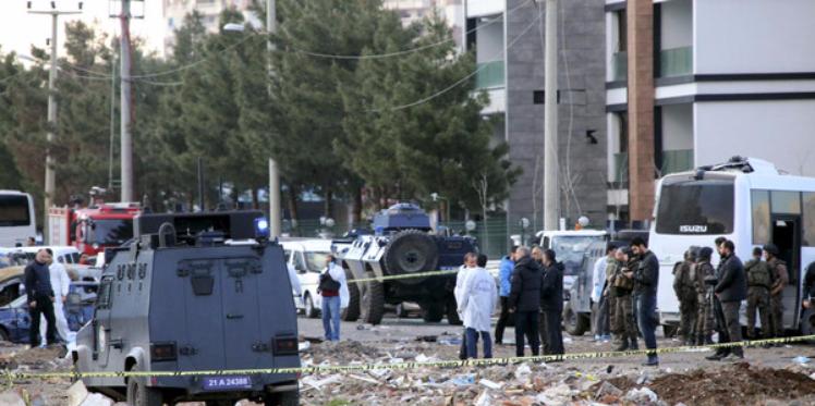 تركيا : حزب العمال الكردستاني يتبنى تفجير ديار بكر
