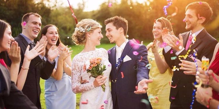 عريس يشترط 500 ''لايك'' على ''فايسبوك'' لإتمام زواجه !