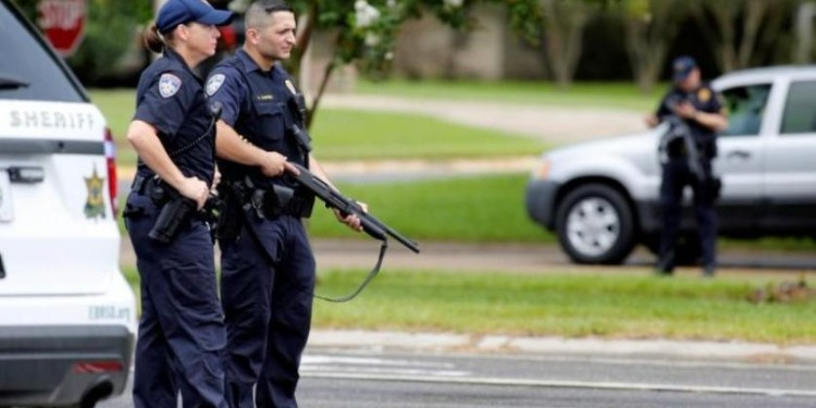 تكساس: إيقاف 4 أمنيين بعد مقتل طفل بسلاح شرطي