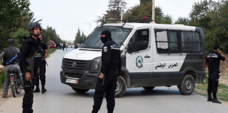 القيروان: مروّج خمر يلوذ بالفرار بعد أن حاول دهس عون أمن