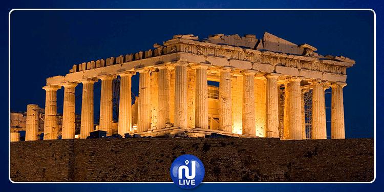 اليونان: صاعقة تضرب معبد قديم وتصيب 4 أشخاص
