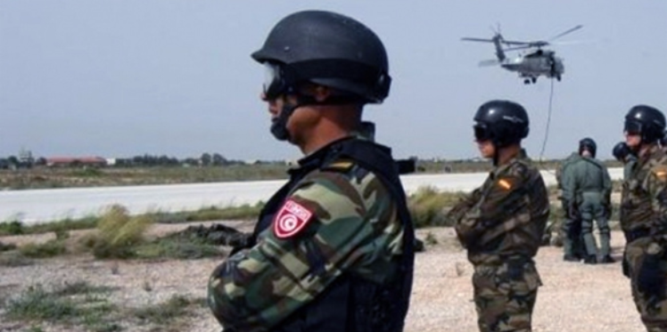 المنطقة العازلة : 4 جرحى في إطلاق نار على  سيارة قادمة من الجزائر لم تمتثل لإشارات التوقف