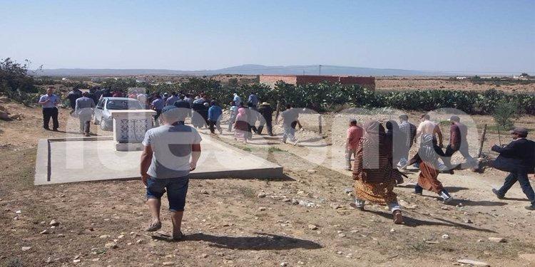 القصرين : تشييع جنازتي المتوفيتين في إنفجار لغم