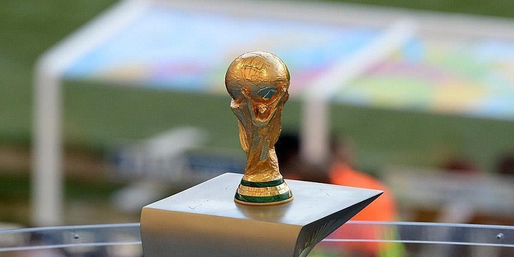 كأس العالم يغادر مصر إلى إيطاليا