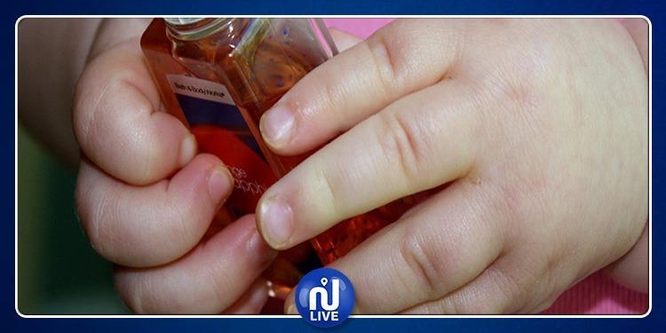المكنين : يُجبر إبنه الرضيع على شرب الخمر