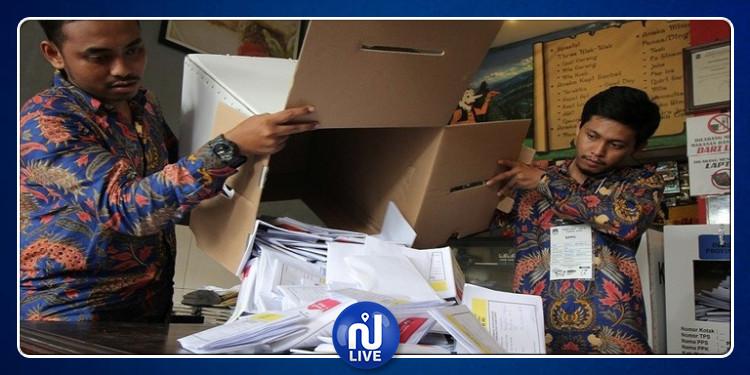أسباب وفاة المئات من موظفي اللجان الانتخابية في إندونيسيا