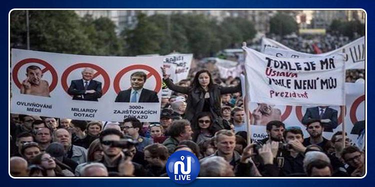 250 ألف تشيكي يطالبون رئيس الوزراء بالإستقالة