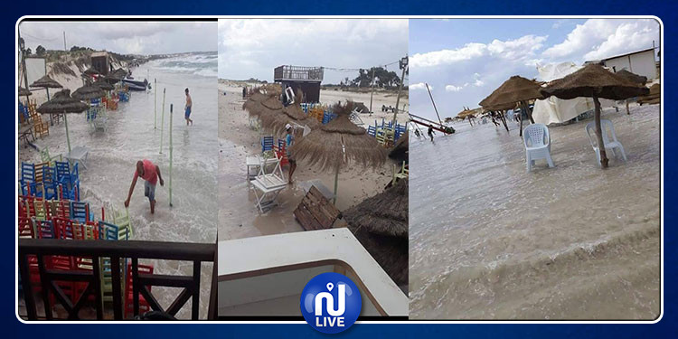 مياه البحر تغمر شاطئ حمام الأغزاز(صور)