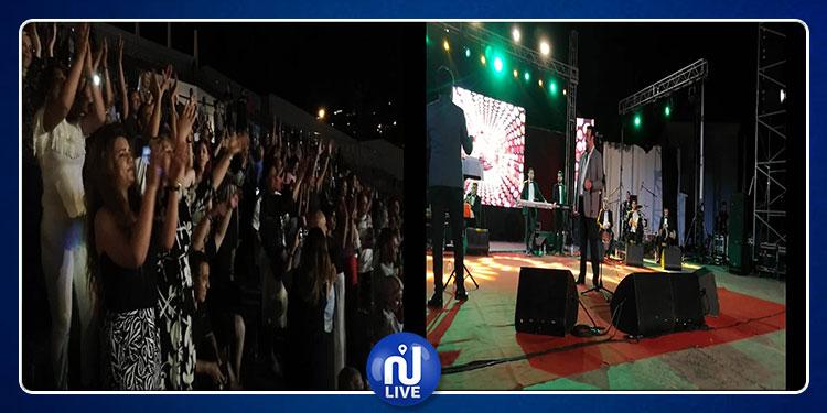 طبرقة: نور مهنى يمتع جمهور مسرح البحر(صور)