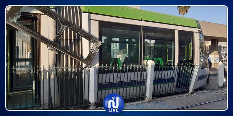 العاصمة: خروج المترو عن السكة  يعطل مصالح المواطنين (صور)