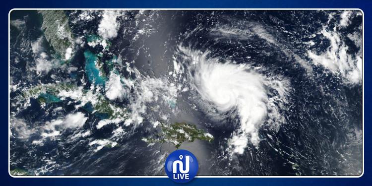 إعصار ''دوريان'' يزداد قوة...و إجلاء 100 ألف ساكن