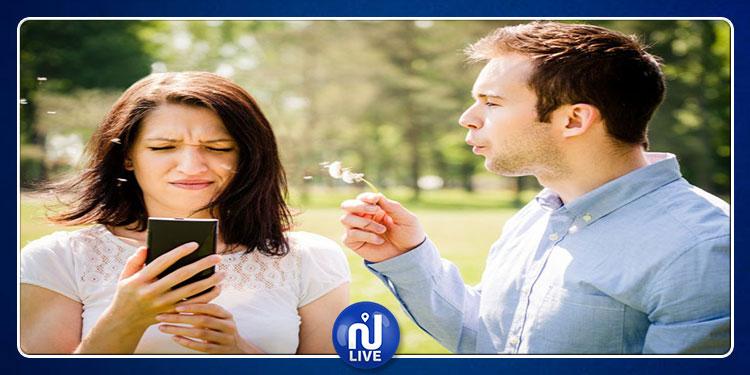الهواتف الذكية تسبّب آلاماً في العنق للنساء أكثر من الرجال