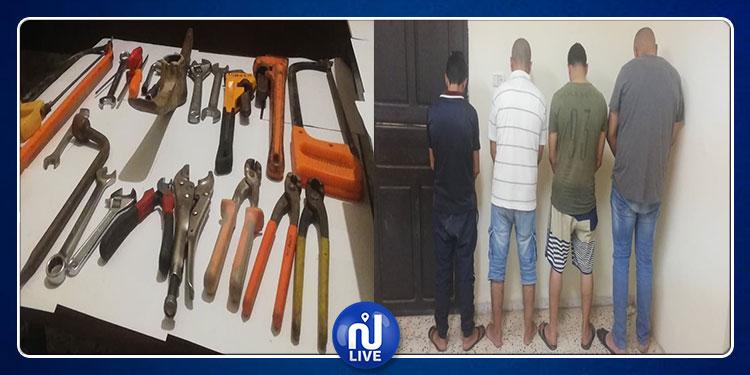 جندوبة: إيقاف عصابة مختصة في سرقة السيارات و تهريبها إلى الجزائر