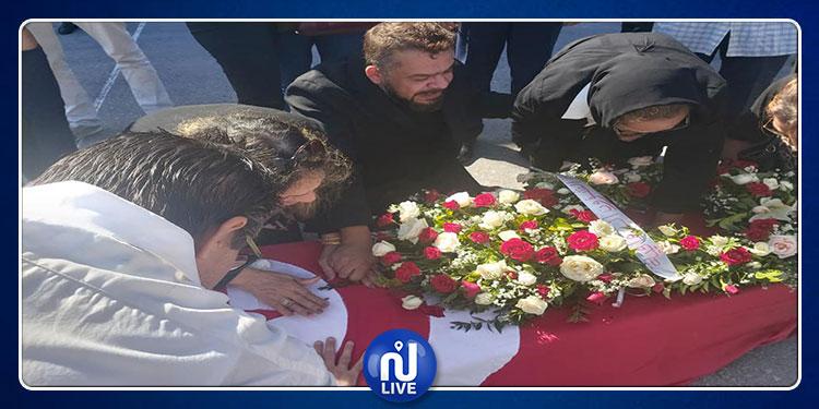 وصول جثمان شوقي الماجري إلى مطار تونس قرطاج