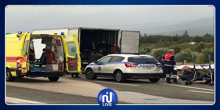 اليونان: العثور على 41 مهاجرا في مبرد شاحنة