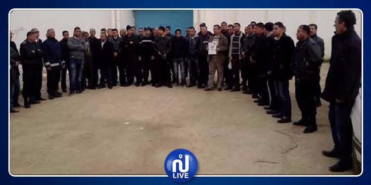 نقابة السجون والإصلاح تقرر تنفيذ إعتصام مفتوح بسجن المرناقية