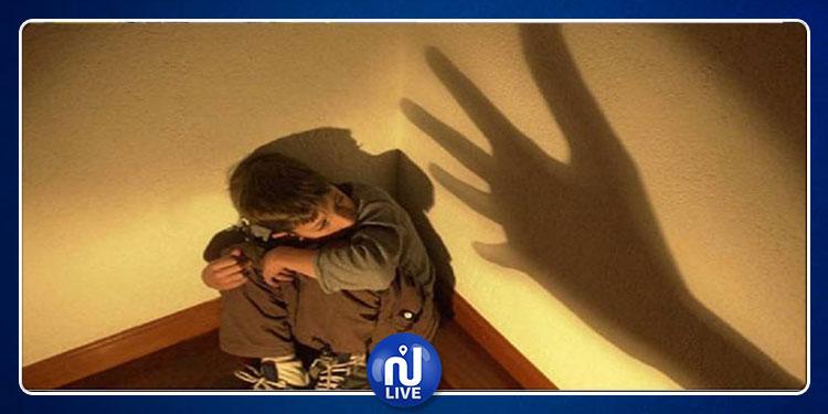 أب ينهي حياة ابنه بعد أن سرق منه مبلغا ماليا