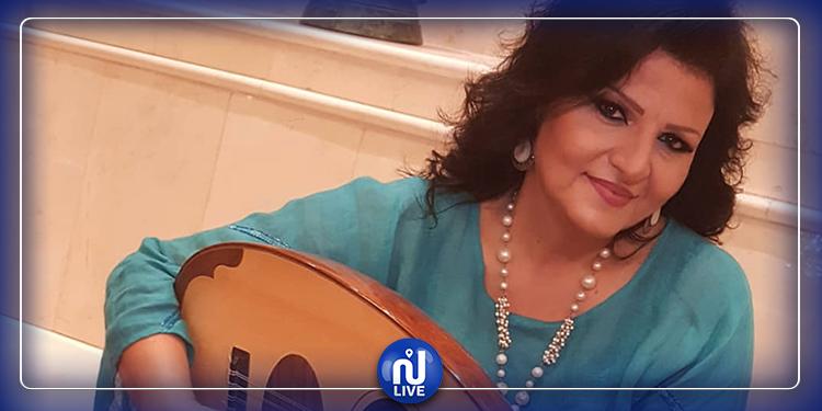 فنانة لبنانية تغني ''طلع البدر علينا'' داخل كنيسة ! (فيديو)