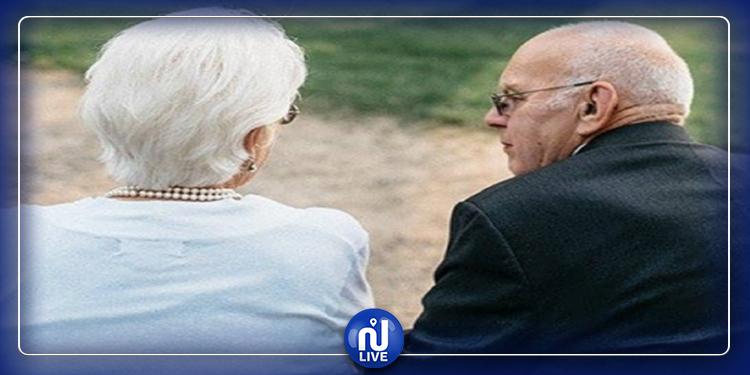 عاشا 68 عاما معا: زوجان يرحلان عن العالم في يوم واحد