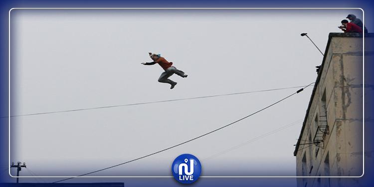 عامل مصري يقفز من الطابق العاشر هربا من ترحيله