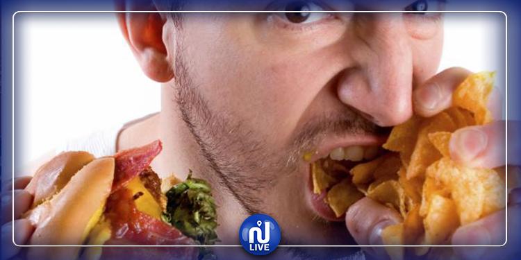 العلم يحدد أسباب الرغبة الدائمة في الأكل
