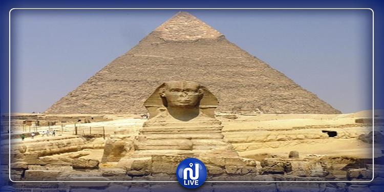 مصر: شاب يلقي نفسه من فوق هرم خفرع