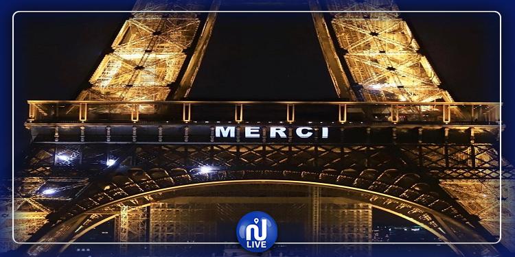 La Tour Eiffel dit merci au personnel soignant