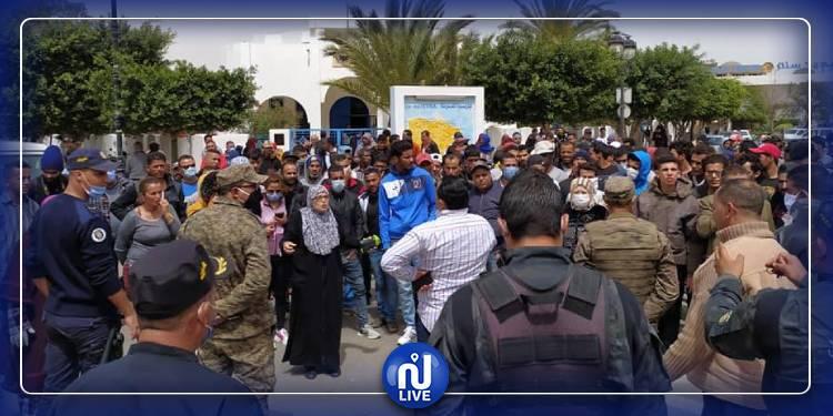 احتجاجات العالقين في جربة متواصلة (صور)