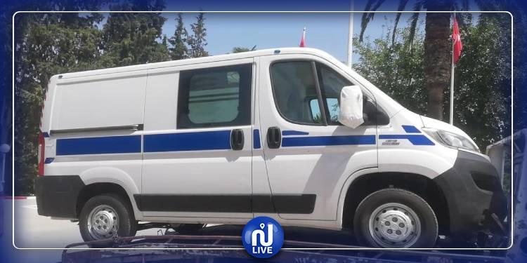 مواطن يتبرع بسيارة إسعاف لمستشفى طبرقة