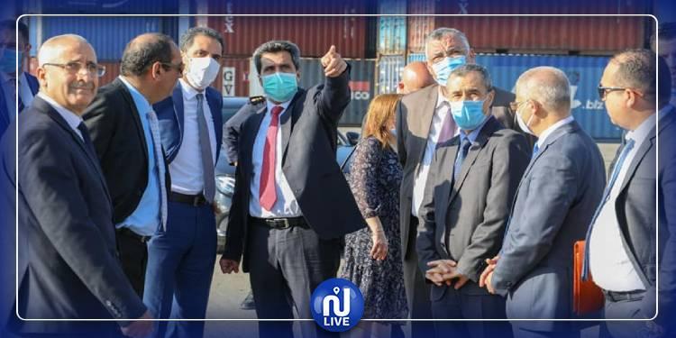 وزير النقل يدعو إلى القيام بحملة نظافة شاملة بميناء رادس