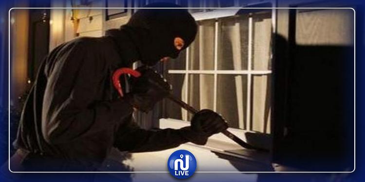الإيقاع بشبكة مختصة في السرقة من داخل محلات سكنية