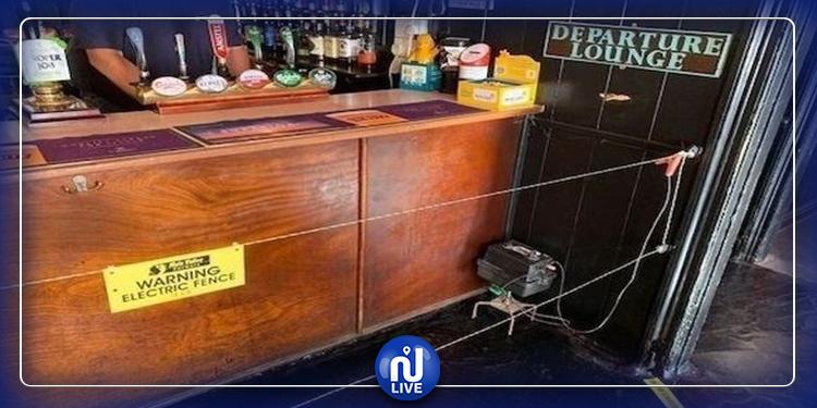 مقهى يلزم الزبائن بالتباعد الاجتماعي عبر الصعق الكهربائي