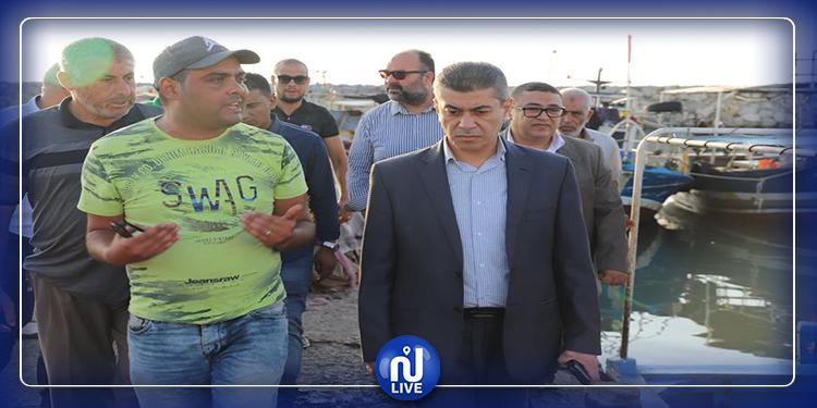 وزير الفلاحة يؤدي زيارة فجئية لموانئ الصيد البحري بالمنستير