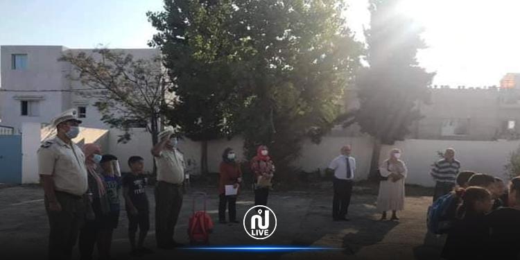 جندوبة: أعوان الحرس يصطحبون أبناء الشهيد عبد الحميد الغزواني إلى المدرسة
