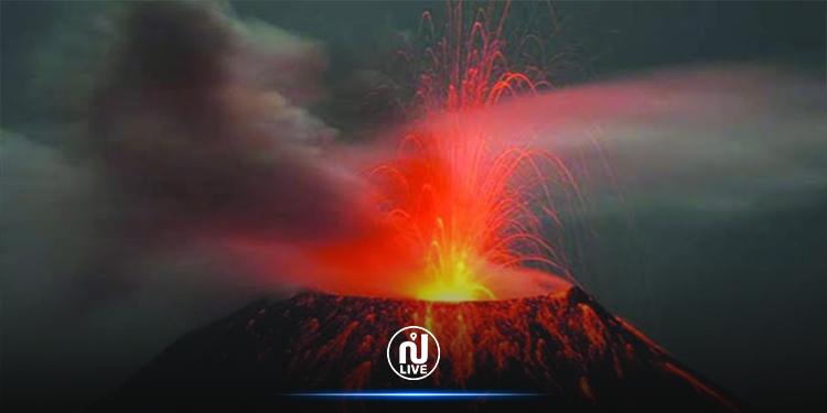 أندونيسيا: بركان يستيقظ بعد سبات تواصل 8 سنوات(فيديو)
