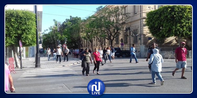 عودة الحركة في شارع الحبيب بورقيبة الى نسقها الطبيعي(صور)