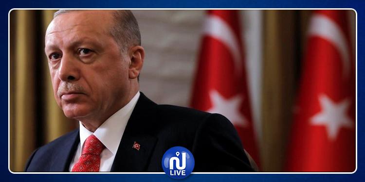 أردوغان يقيل محافظ البنك المركزي