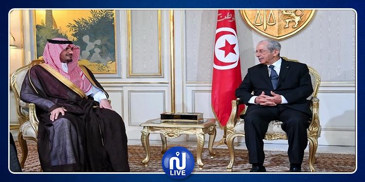 وزير الداخلية السعودي يقدم واجب العزاء في رئيس الجمهورية