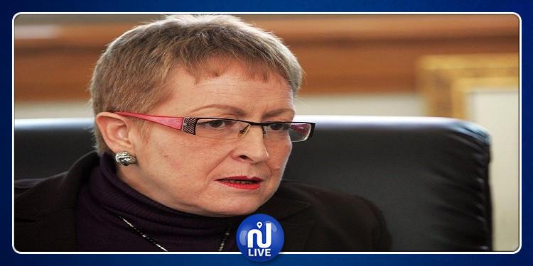 الجزائر: هروب وزيرة الثقافة السابقة بعد تورّطها في قضايا فساد
