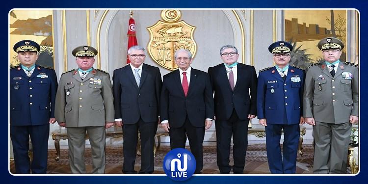 محمد الناصر يشرف على موكب منح الصنف الثاني من وسام الجمهورية